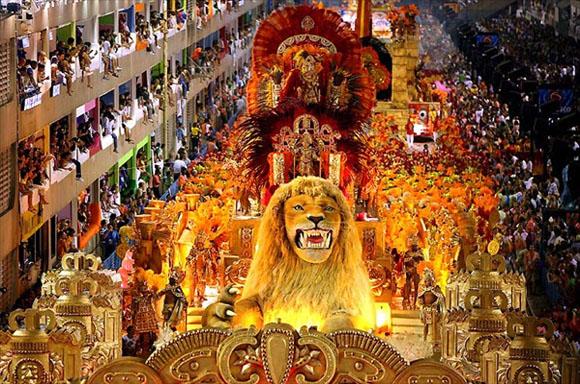 carnaval-no-rio-de-janeiro-desfile-escolas-de-samba-sapucai